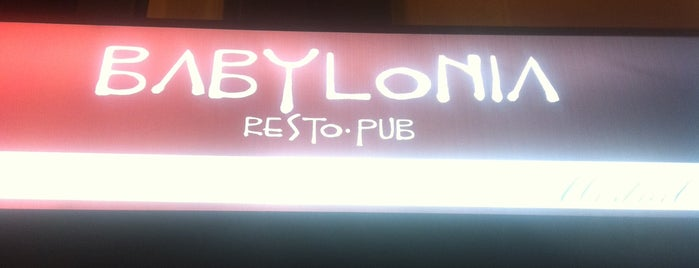Babylonia Pub is one of Locais curtidos por Evander.