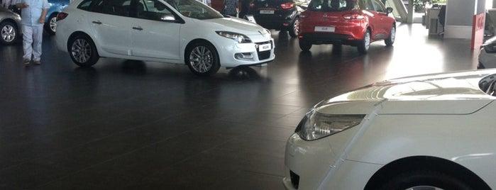 Renault Mais is one of Locais curtidos por Onur.