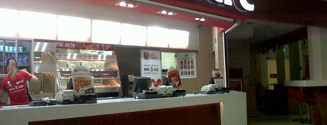KFC is one of Lieux qui ont plu à Kemal.
