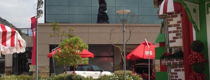 Mall Vivo Los Trapenses is one of Centros Comerciales de Chile.