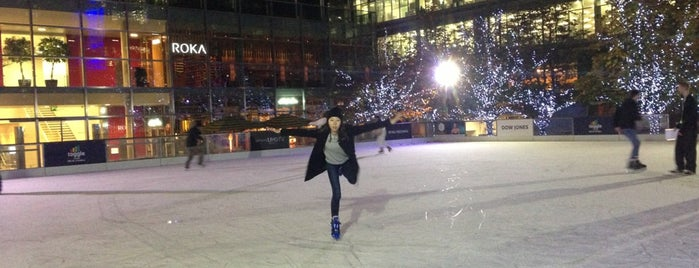 Ice Rink Canary Wharf is one of Londres.