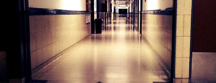 "Hospital General de Agudos ""Dr. Juan A. Fernández"" is one of สถานที่ที่บันทึกไว้ของ Kyle."