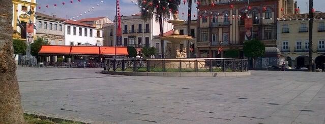 Plaza de España is one of Lieux qui ont plu à Shanshan.