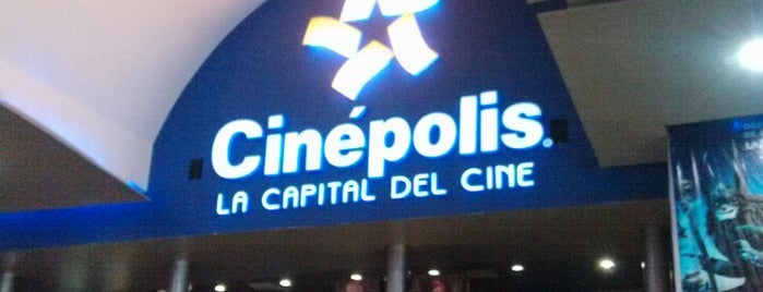 Cinépolis is one of Locais curtidos por Axel.