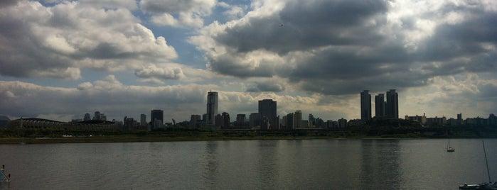 한강 (Han River/漢江) is one of Korea.