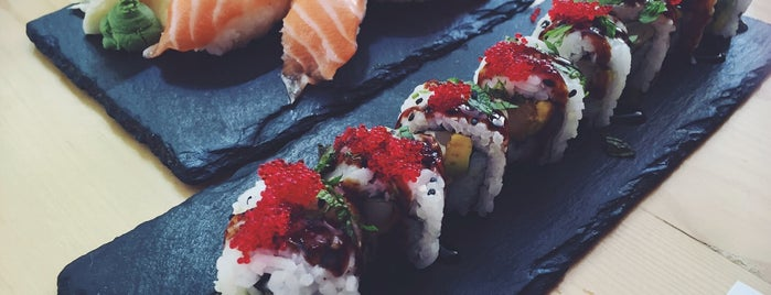 Nakama Casual Sushi Bar is one of สถานที่ที่บันทึกไว้ของ Geo.