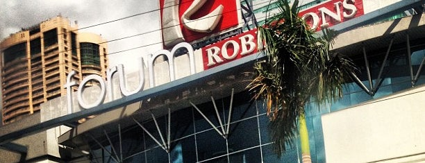 Forum Robinsons is one of Orte, die Shank gefallen.