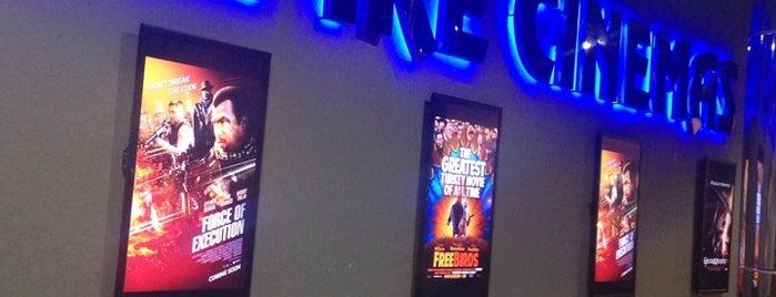 Empire Cinema - Family Mall is one of Batuhan 님이 저장한 장소.