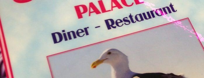 Sea Crest Diner is one of Posti che sono piaciuti a Zach.