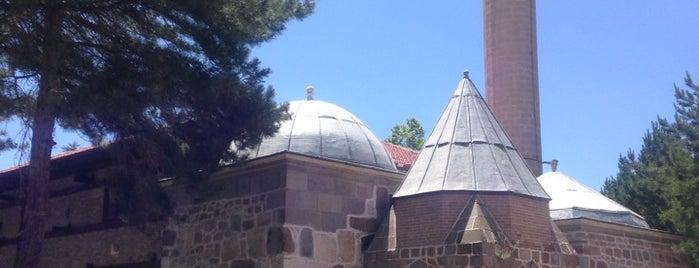 Seyyid Harun Veli Camii ve Türbesi is one of Mehmet YAŞAM KOÇU 님이 저장한 장소.