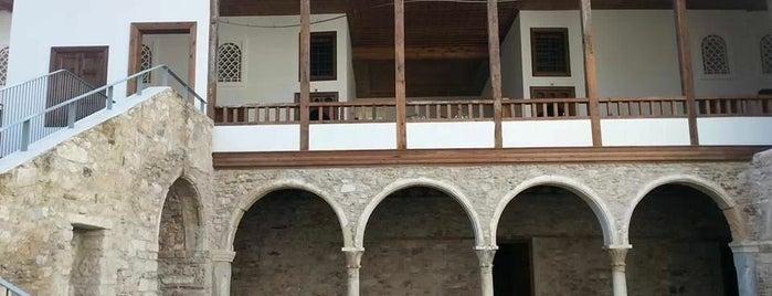 Το Αρχοντικό των Μπενιζέλων is one of Theodosia : понравившиеся места.