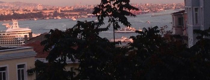 ThreeAmigos&Terrace is one of İstanbul Etiket Bonus Mekanları #1 💱💲💵🍀.