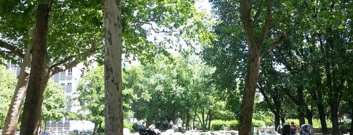 Parco Guido Vergani is one of Locais curtidos por Chiarenji.