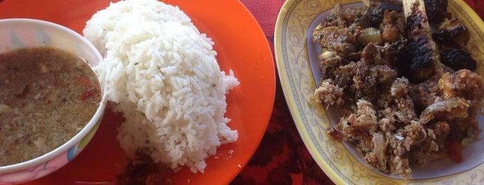 Warung Lawar Penyu - Men Saji Ketewel is one of Lieux sauvegardés par nikend.