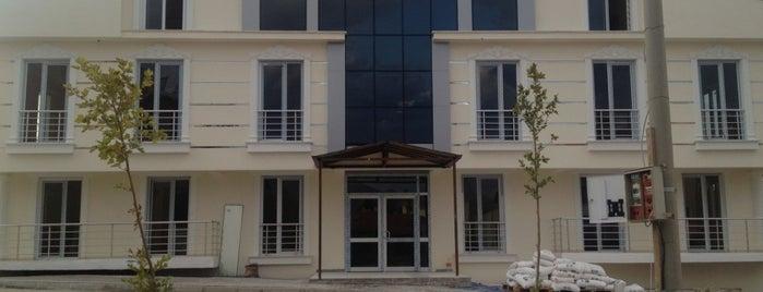Beyaz Köşk Residence is one of Lieux qui ont plu à Serdar.