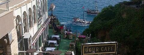 Uğur Cafe is one of Gespeicherte Orte von sewim.