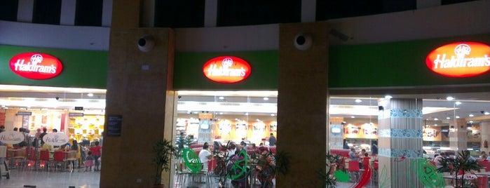 Haldiram's is one of Lugares favoritos de Amit.