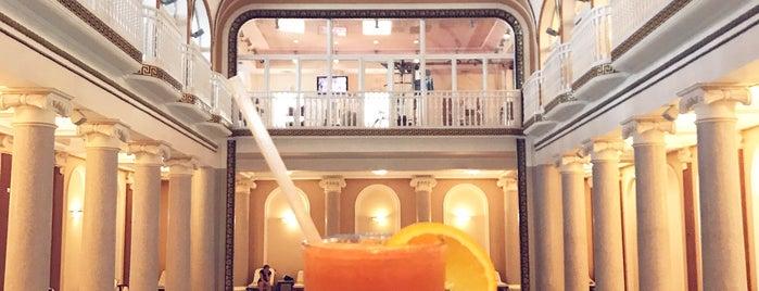 Londonskaya Hotel / Гостиница «Лондонская» is one of Викторияさんのお気に入りスポット.