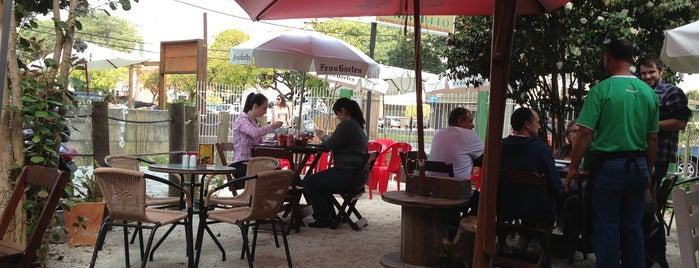 Cabana Bar & Petiscaria is one of Associados Abrasel Paraná.