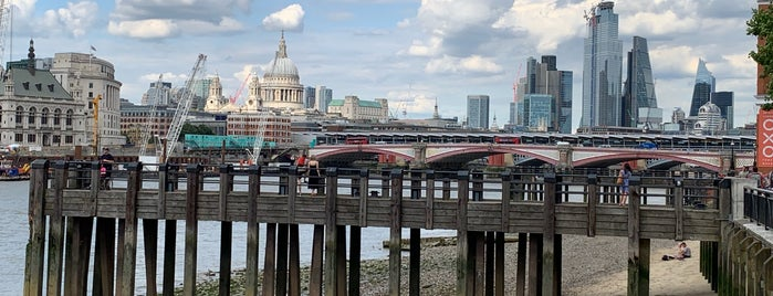 The Queen's Walk is one of Londres 2017.