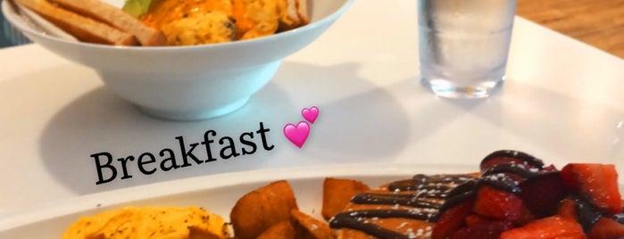 Omelet Bar is one of Carlo 님이 좋아한 장소.