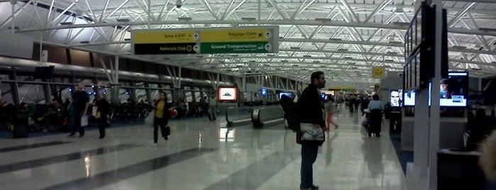 Gate 4 is one of Lugares favoritos de Alberto J S.