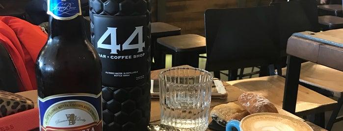 44 Bar & Coffee Shop is one of Lieux qui ont plu à Orkun.