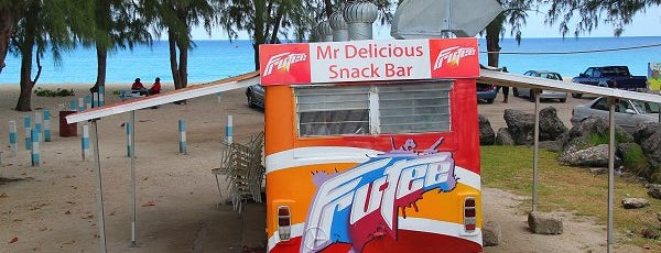 Mr. Delicious Snack Bar is one of Darcyさんの保存済みスポット.