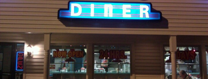 Dots Diner - Williams Blvd. is one of NOLA/ Kenner.