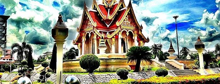 ศาลหลักเมือง จังหวัดอุดรธานี is one of 「 SAL 」 : понравившиеся места.