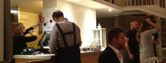 Fiori Chiari Plates is one of MILANO EAT & SHOP.