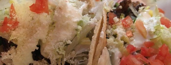 Rubens Mexican Restaurant is one of Orte, die Darnell gefallen.