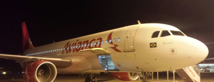 Voo Avianca O6 6241 is one of Transportes.