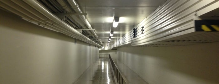 Library of Congress Tunnel is one of Bart Bikt: Washington.