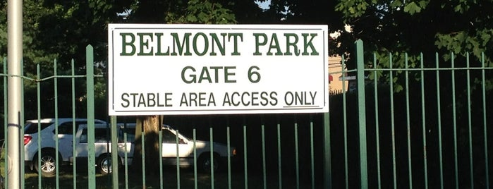 Belmont Park Stable Gate (Gate 6) is one of Locais curtidos por Montana.