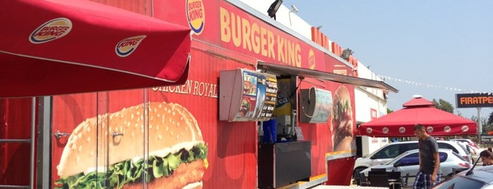 Burger King is one of Locais curtidos por Caner.