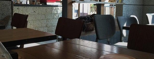 MONZ CAFE is one of ぎゅ↪︎ん 🐾'ın Kaydettiği Mekanlar.