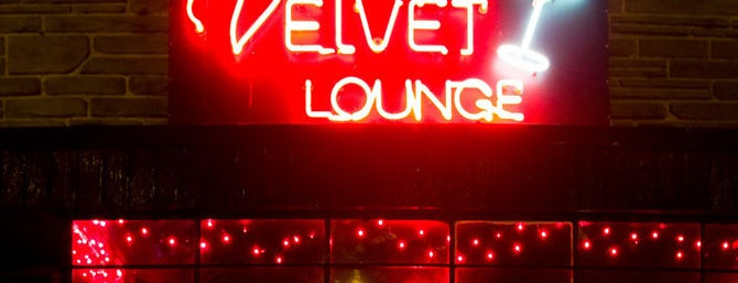 Velvet Lounge is one of Lugares guardados de Donna.
