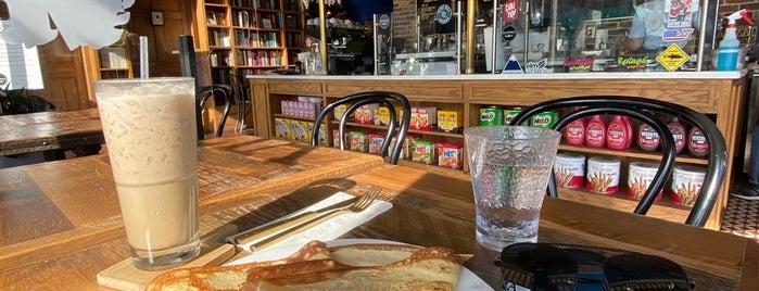 Magnolia Dessert Bar & Coffee is one of Tempat yang Disimpan Rachel.