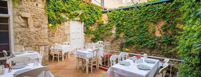 Castelo Restaurant is one of Crete.