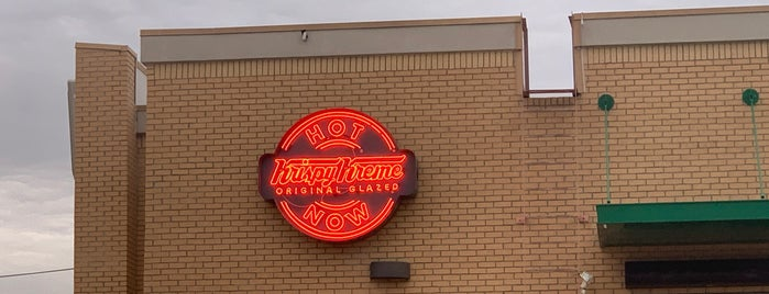 Krispy Kreme Doughnuts is one of Russ's Liked Places.