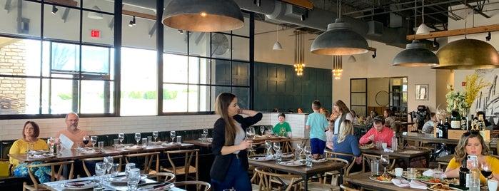 Delucca Gaucho Pizza & Wine is one of Lugares favoritos de Gary.