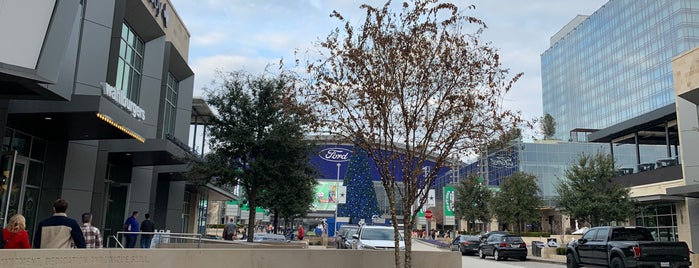The Star in Frisco is one of Tempat yang Disukai Val.