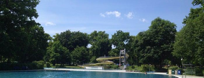Ungererbad is one of สถานที่ที่บันทึกไว้ของ Luis.