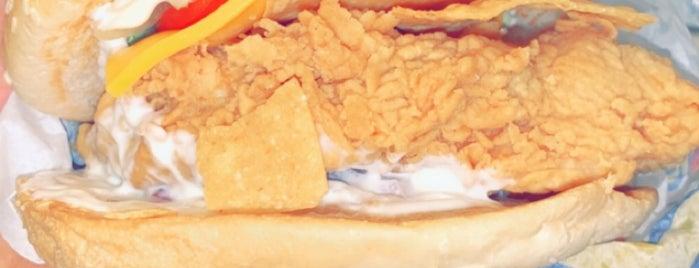 Texas Chicken is one of Locais curtidos por Midnight.