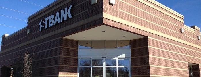 FirstBank is one of Locais curtidos por Brook.