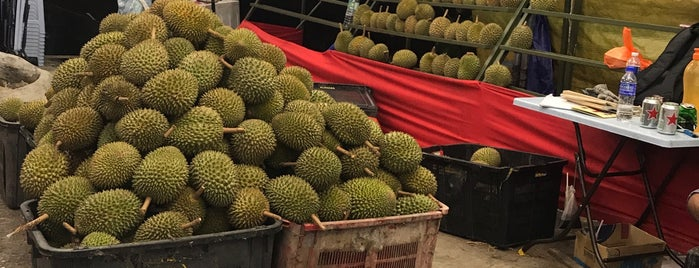 Durian Stall Sri Petaling is one of Makan2.