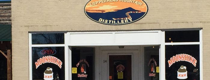Copperhead Mountain Distillery is one of Betsyさんのお気に入りスポット.
