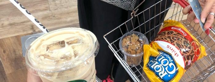 Starbucks is one of Locais salvos de Queen.