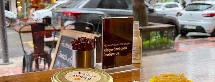 Ruudo Coffee & Bakery is one of izmir.
